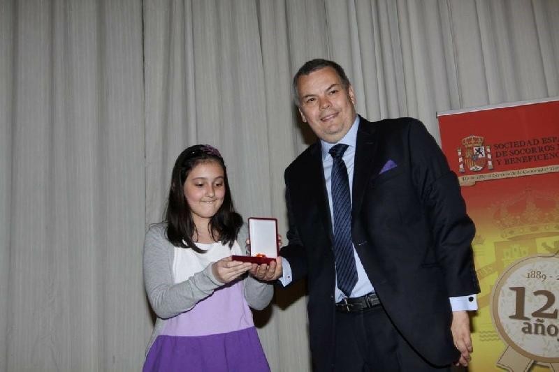 Doña Francisca Compte Bermejo - Doña Francisca Compte Bermejo, nuestra socia desde  el 19 de febrero del 2013, recibe su medalla de Honor en los 125 años de la Institución.